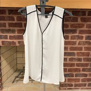 Brand Mew Halogen Size Medium White & Black Blouse